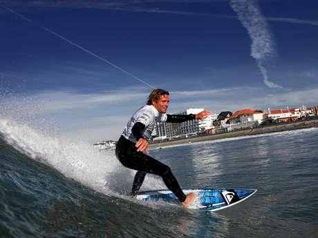 ECOLE DE SURF SEMVIE NAUTISME - GRANDE PLAGE DE ST GILLES