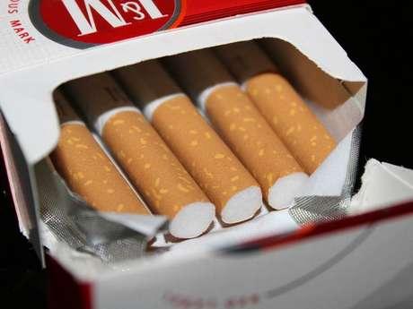 "Bureau de Tabac ""Le P quatre"""