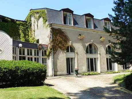 """Hôtel """"Château de Bazeilles"""""""