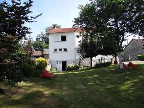 Location Gîtes de France - SAINT PIERRE CHERIGNAT - 10 personnes - Réf : 23G1417