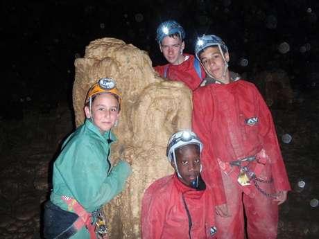 Spéléologie : traversée de la Grotte de l'Aigle