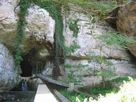 Reculée et grotte de Corveissiat