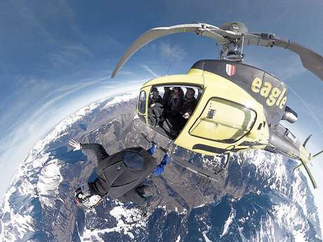 Free fall with Alpskydive
