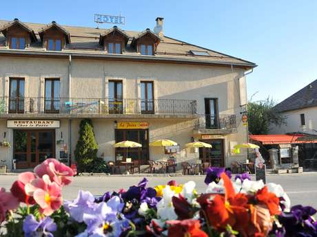 Hôtel-Restaurant Chez Le Poète**