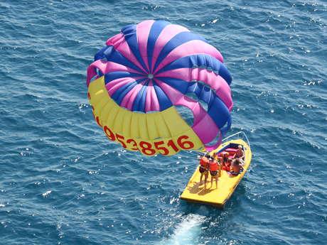Jeux nautiques : Parachute ascensionnel