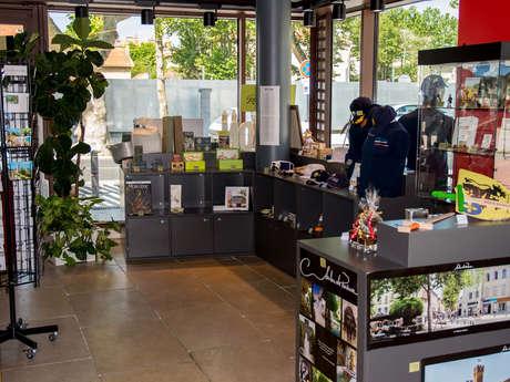 La boutique de l'Office de Tourisme - Point de vente permanent des articles de la PAF