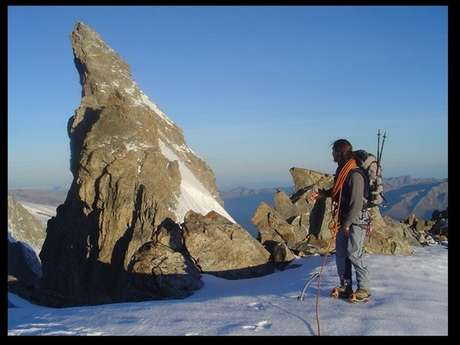 """""""Finger of God""""  training mountaineering with the guide office"""
