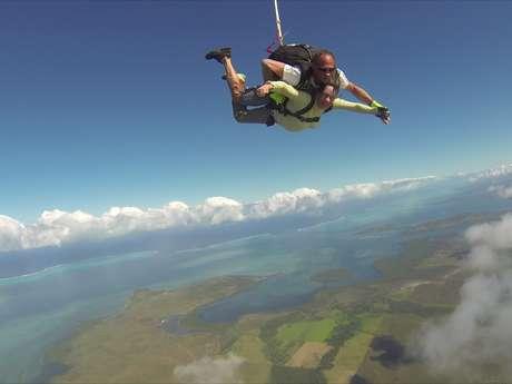Saut Tandem - Centre école de parachutisme de Nouvelle-Calédonie