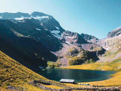 Hiking - Grand Tour of the Muzelle and Lauvitel lakes