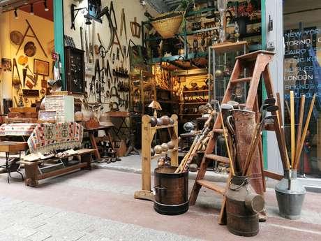 The Flea Market of  Paris - Saint-Ouen