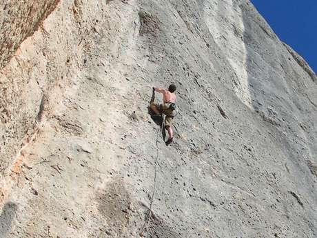 Escalade sauvage sur un sommet Queyrassin
