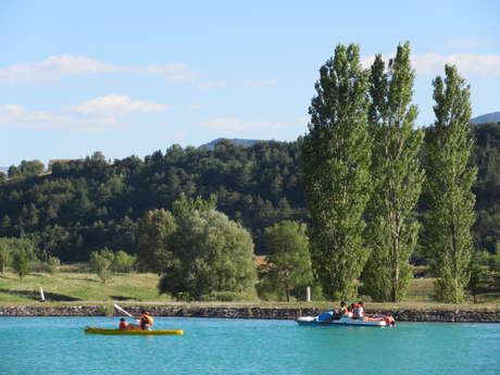 Canoës, kayaks sur la Base de loisirs de la Germanette