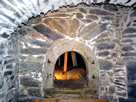 Common bread oven of Sardières