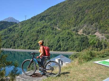 Le tour du lac du Verney en vélo électrique