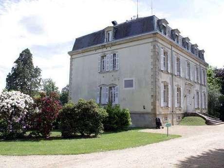 Chateau Du Courtioux - Gîte de groupe