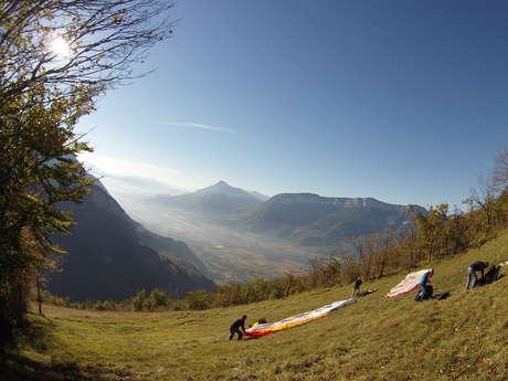 Chalais: FFVL paragliding site