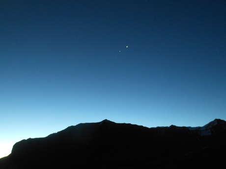 Soirée Astro-Rando: Repas en Refuge - Descente Nocturne