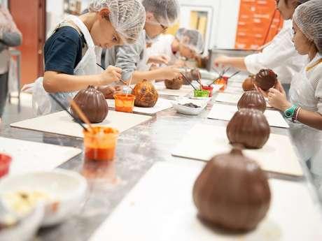 Ateliers Moulage de chocolat Castelain pour les Enfants