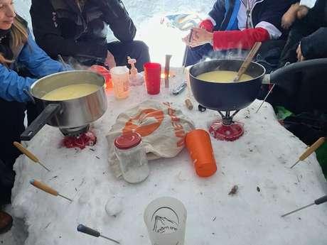 Balade en raquettes et fondue en igloo