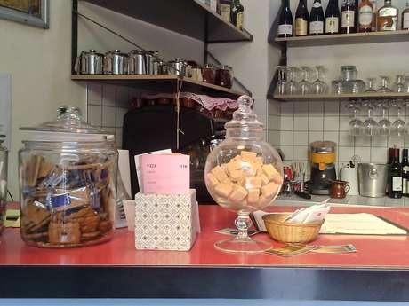 Le Rocher Baron – Bar Restaurant Café
