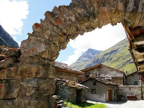 Découvrez l'authentique village de Bonneval sur Arc et son histoire