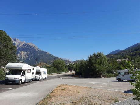 Aire d'accueil de camping cars de l'Argentière-La-Bessée
