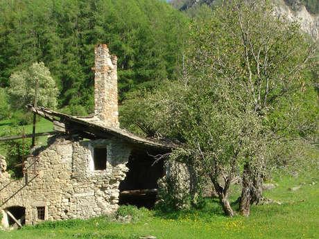 Hameau abandonné de Costebelle