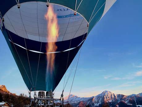 Vol en montgolfière en montagne