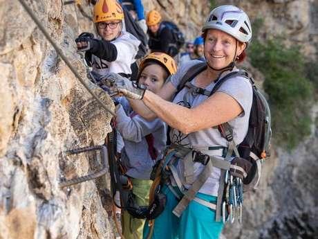 """""""Des Pieds et des Mains"""" climbing"""