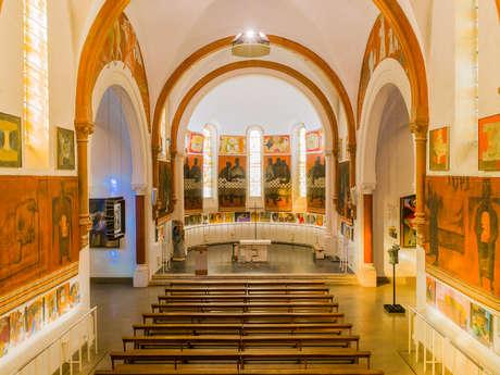 Visite guidée « Le Couronnement, le mobilier liturgique et les sculptures »