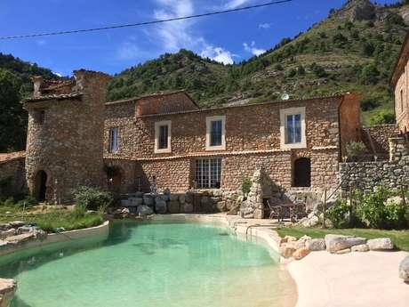 """Chambres d'hôtes Le Château d'Auribeau """"Chambre Familiale"""""""
