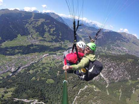 Paragliding with Gravité0
