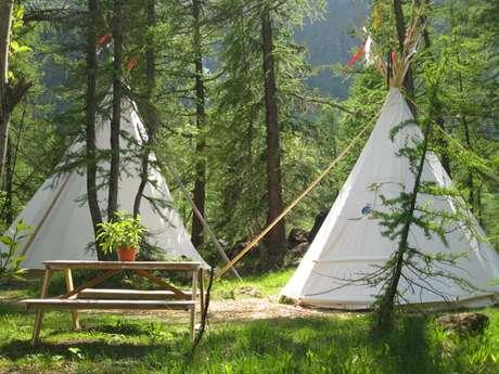 Camping Forêt des Mélèzes et village Sioux