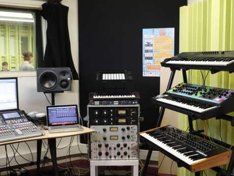 Séance d'initiation au Studio électro