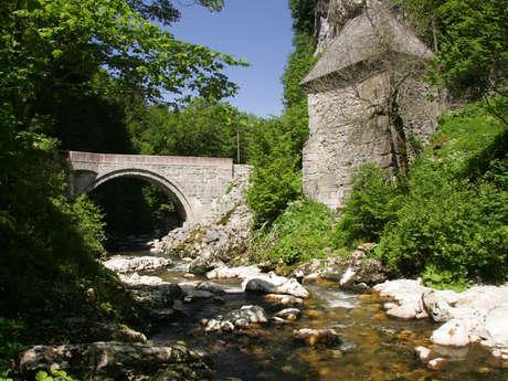 Le pont et la porte du Grand Logis