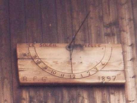 Cadran solaire en bois de l'Arpelin