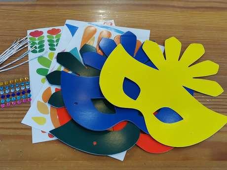 Atelier masques du Carnaval