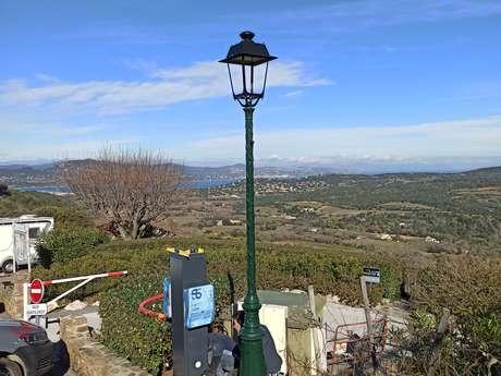 Station de recharge pour voitures électriques de l'office de tourisme
