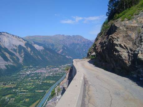 Road cycling - the balconies of Oisans