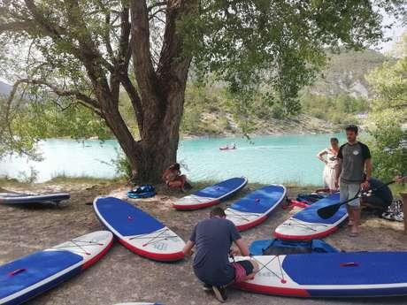 Coucher de soleil sur le lac de Castillon en stand-up paddle