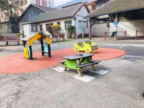 Parc de jeux pour enfants au Parc des Thermes