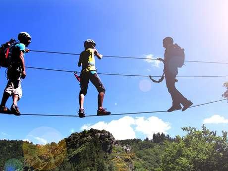 Bougez dans les Monts du Pilat - Via Ferrata adulte / Tyrolienne (à partir de 140 cm soit 10-12 ans)