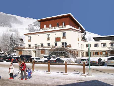 VILLAGE CLUB MILEADE