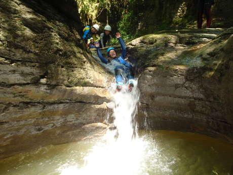 Rev'asion, randonnée aquatique, canyoning, escalade