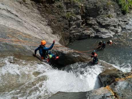 Canyoning avec No Limit Rafting