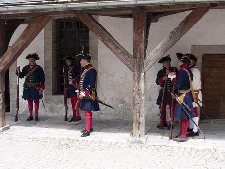 Visite : la cité Vauban en compagnie des Régiments du passé