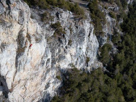Climbing way Les Côtes Blanches