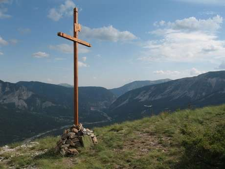 Ascension à la Croix du Puy