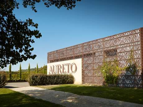 Aureto Vineyards - Cellar / Coquillade Village