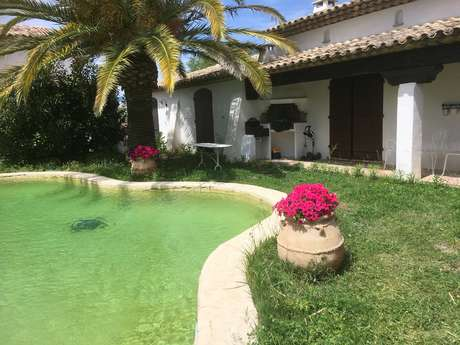 Mme BADIEU Marie - Villa atypique avec piscine